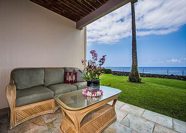 Spacious, Groundfloor Oceanfront Unit, 2 bedroom, 2 bath - Image 1 - Kailua-Kona - rentals
