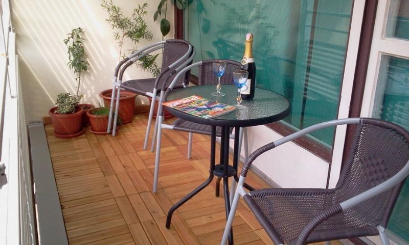 Apartment Priska near beach+ balcony + FREE WI-FI - Image 1 - Split - rentals