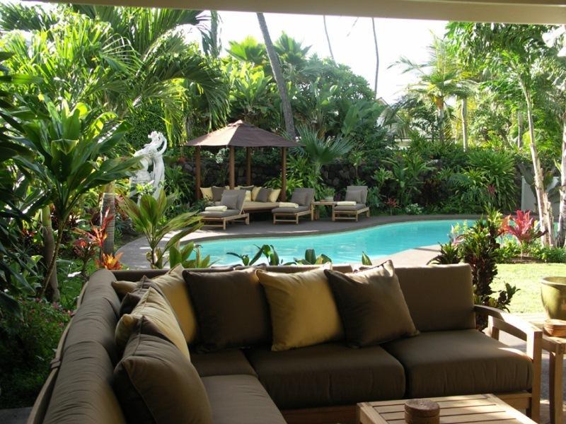 Pool Seating - Kahala Hale, 4BR, Pool Spa, A/C, Across from Beach - Honolulu - rentals