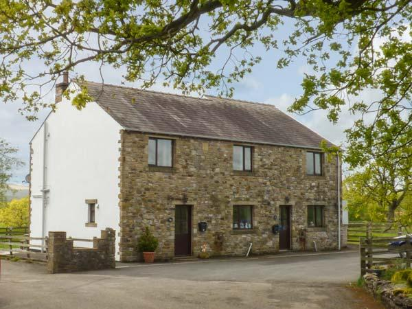 MALLARD, semi-detached, open fire, WiFi, off road parking, enclosed garden, in Clitheroe, Ref 918772 - Image 1 - Bolton by Bowland - rentals