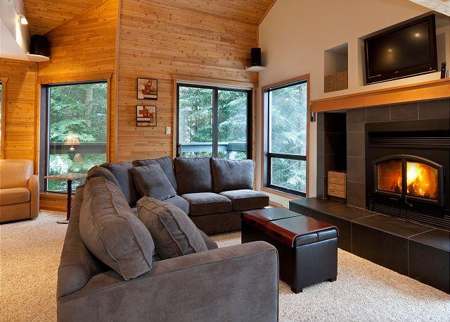 Relax by the Gas Fireplace and Flat Screen TV - Telemark 14 | Whistler Platinum | Mountain Views, Easy Walk to Village - Whistler - rentals