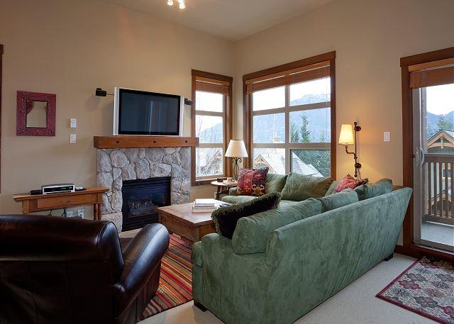 Living Area with Gas Fireplace and Mountain Views - Mountain Star #13 | 3 Bedroom Townhome Close To Ski Hill, Private Hot Tub - Whistler - rentals