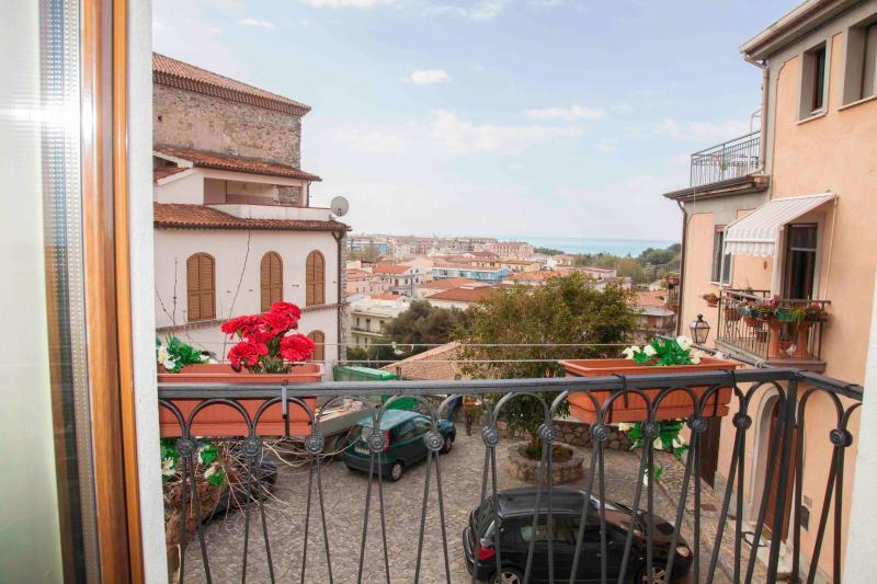 Pokazat dom v italia scalea via pitagora 3