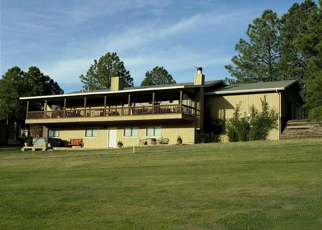 Bogie has spectacular views, AC, hot tub, a pool table, and is pet friendly. - Image 1 - Ruidoso - rentals