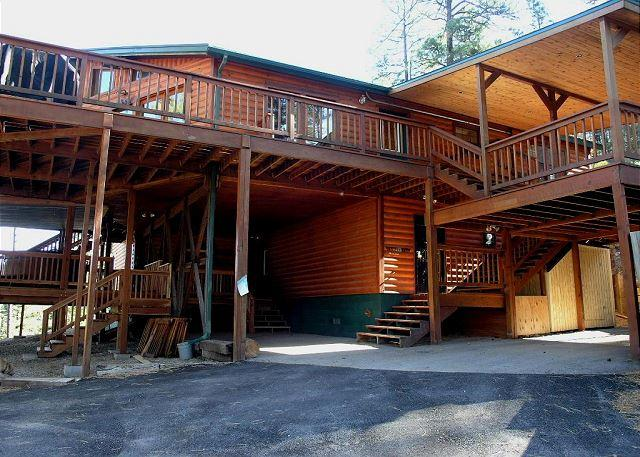 Buffalo Lodge is a perfect home for a family getaway accommodating 16 guests. - Image 1 - Ruidoso - rentals