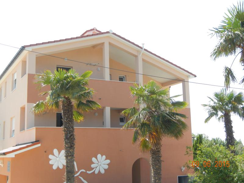 NEW apartment with a pool - Image 1 - Medulin - rentals