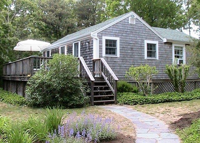 CLOSE TO ONE OF THE MOST POPULAR BEACHES IN EASTHAM! - Image 1 - Eastham - rentals