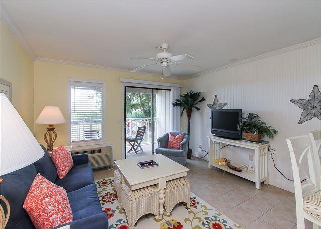 Living Area - 120 Ocean Dunes-Oceanfront, Renovated & Cute. No stairs! - Hilton Head - rentals