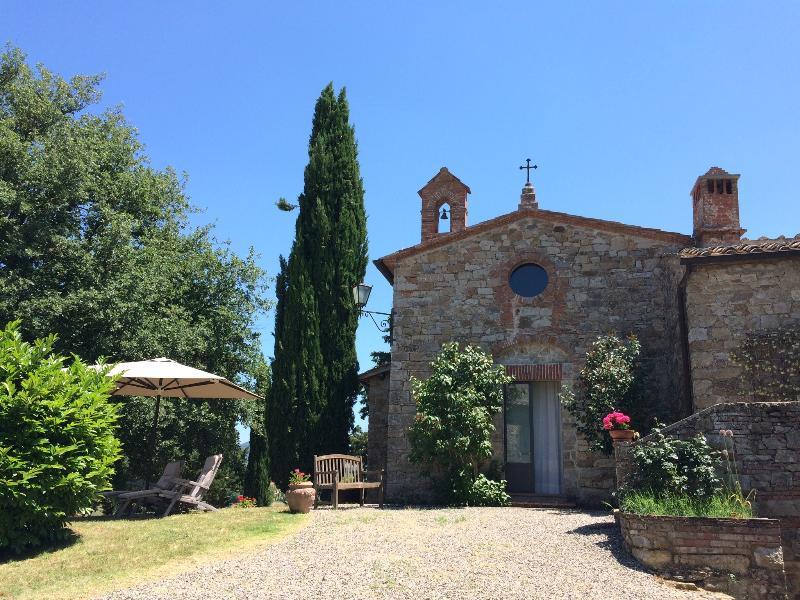 Exterior Garden Photo - Hilltop Poolside 2 Bedroom Villa in Chianti - Gaiole in Chianti - rentals