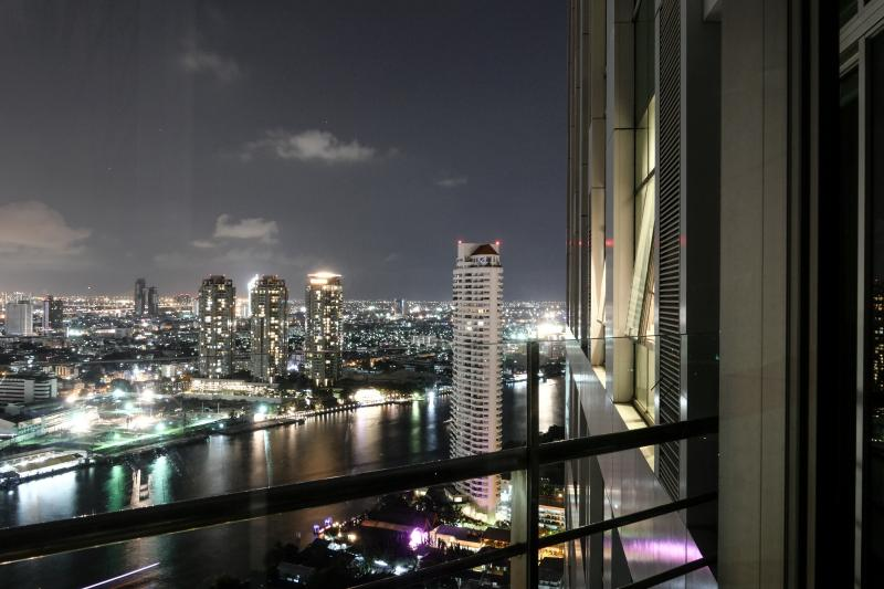 Night River View - ForgetMeNot 2BR, by river, high outdoor sky living - Bangkok - rentals