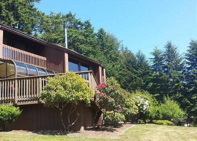 Wow! Welcome to a beautiful home in a wonderful location! - Fairway Lodge  - Elegant 3 bdrm Home on the 18th Hole - McKinleyville - rentals