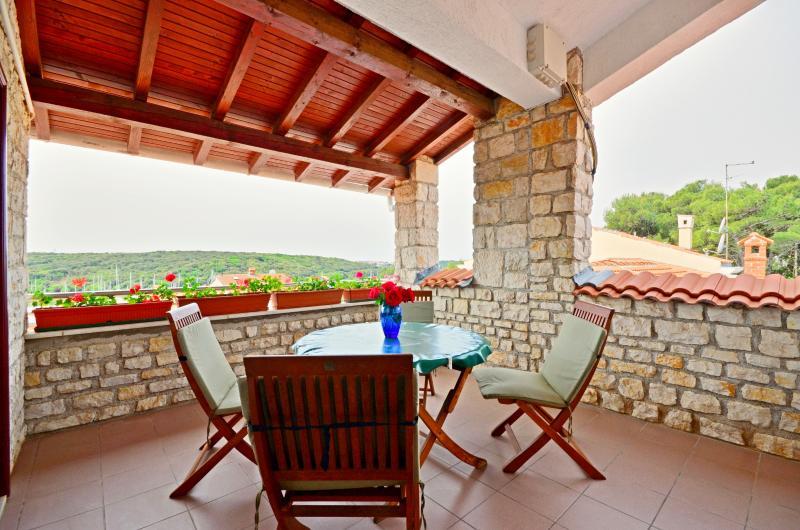 Apartments Tomislav - 71721-A1 - Image 1 - Pula - rentals
