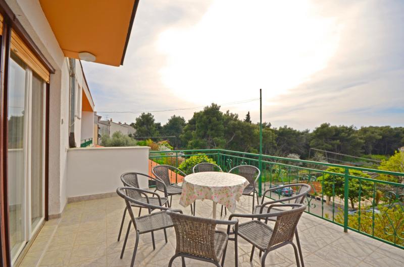 Apartments Mare - 73171-A1 - Image 1 - Pula - rentals