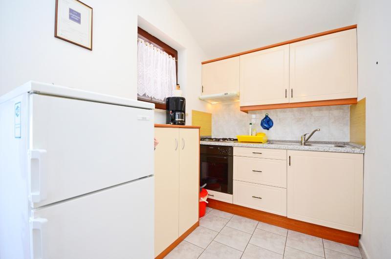 Apartments Adelmo - 75331-A3 - Image 1 - Premantura - rentals