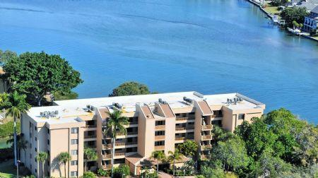 Building # 9 Directly on the Bay - Chinaberry 952 - Siesta Key - rentals