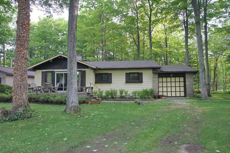 Sauble Dream Days cottage (#966) - Image 1 - Sauble Beach - rentals
