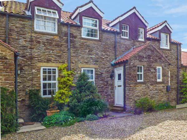 SECRET VIEW COTTAGE, WiFi, beautiful views from bedrooms, small patio, easy drive to York, near Terrington, Ref 920394 - Image 1 - Terrington - rentals