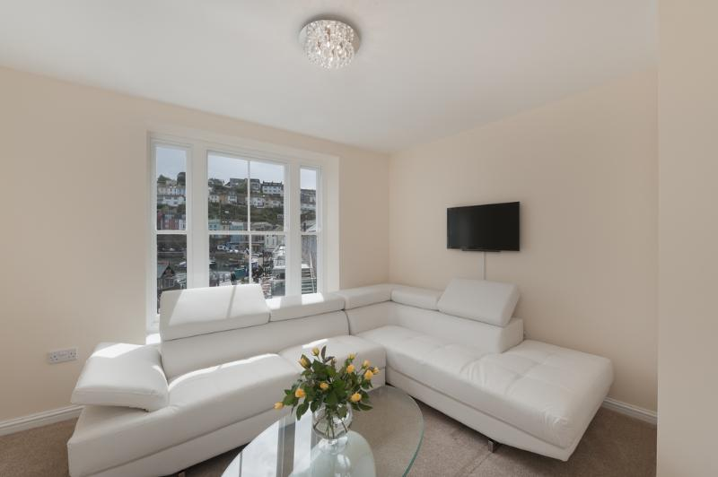 5 Montpellier Apartments, The Quay located in Brixham, Devon - Image 1 - Brixham - rentals