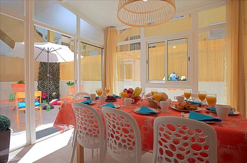 Alameda I - sunny patio, quiet residential area in central Lisbon, 5 min from metro - Image 1 - Lisboa - rentals