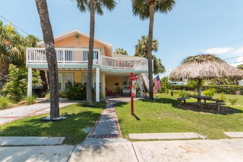 Forever Sunshine (Upper) - Weekly Beach Rental - Image 1 - Clearwater Beach - rentals