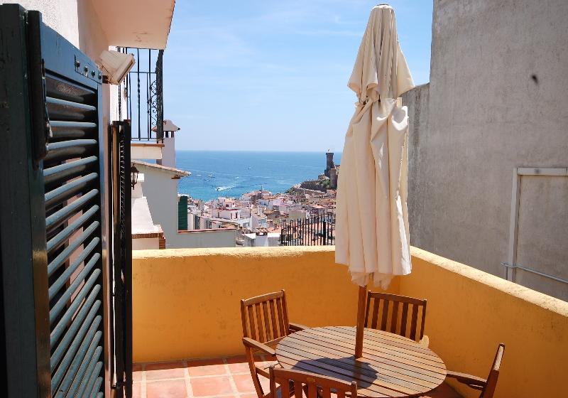 Enjoy nice meals with sea views! - Nice House With Sea Views Tossa - Tossa de Mar - rentals