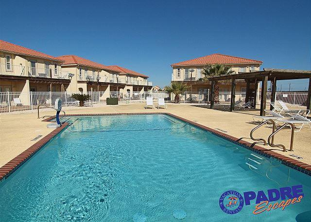 Complex pool - Getaway and Enjoy the Island life, Texas Style. - Corpus Christi - rentals