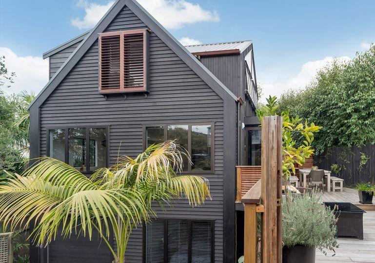 This three level modern cedar townhouse - Ponsonby Family Vacation 3 Bedroom Home with Parking Auckland - Herne Bay - rentals