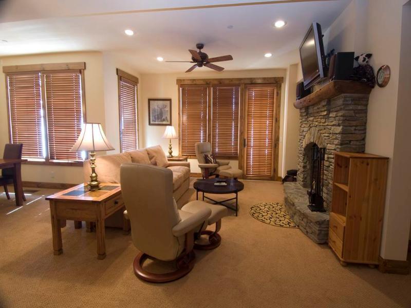 #1157 Red Peak Drive - Image 1 - Mammoth Lakes - rentals