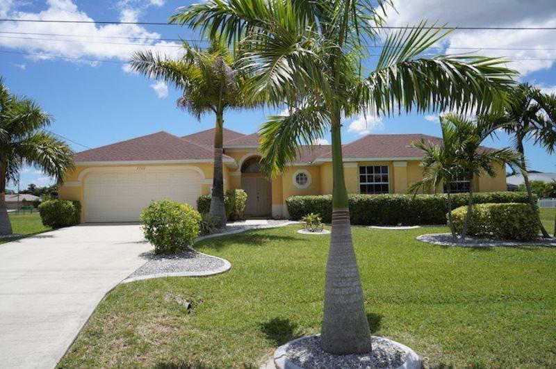 Charisma - Cape Coral 3b/2ba, plus in-law suite, home w/electric heated pool, HSW Internet, - Image 1 - Cape Coral - rentals