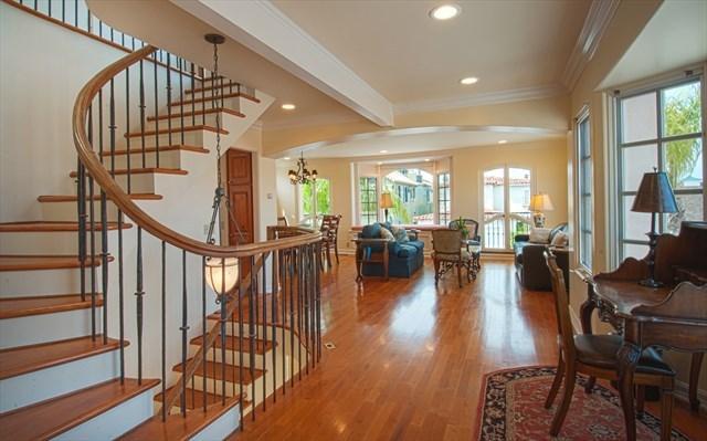 2nd Floor - Living area - 1305 A W Bay Ave - Three Story Condo - 3 Bed 2 Bat - Newport Beach - rentals