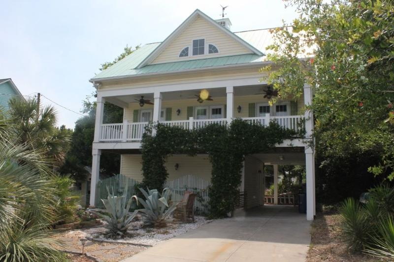 Exterior Street Front - Blue Moon- SUN 2 BR - Emerald Isle - rentals