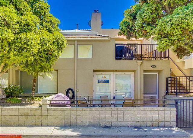 817 San Gabriel Exterior - Lovely, spacious townhome-large deck, near beach, w/d, full kitchen - Pacific Beach - rentals