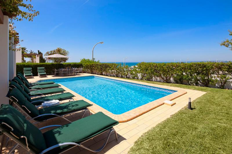 Villa Kelly - 4 bedrooms, stunning sea views, walk to restaurants and - Image 1 - Sesmarias - rentals