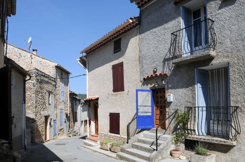 Medieval, Provencal 2 Bedroom Village House (Laven - Image 1 - Alpes de Haute-Provence - rentals