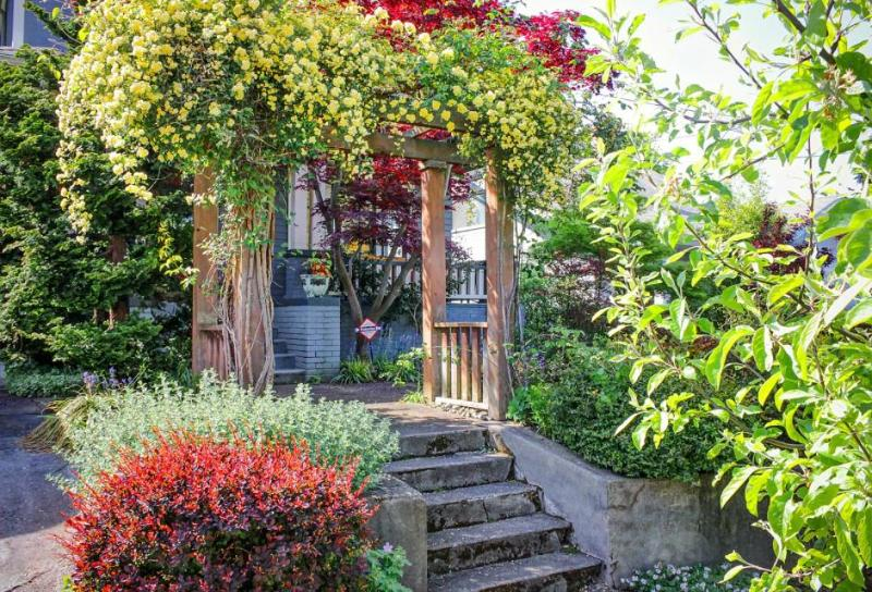Perfectly located north-facing Queen Anne home! Gourmet kitchen, fenced backyard - Image 1 - Seattle - rentals