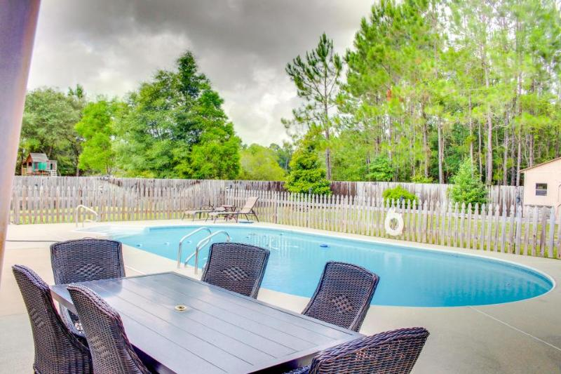 Relaxing and cozy home w/ a backyard pool in a quiet area - Image 1 - Pensacola - rentals