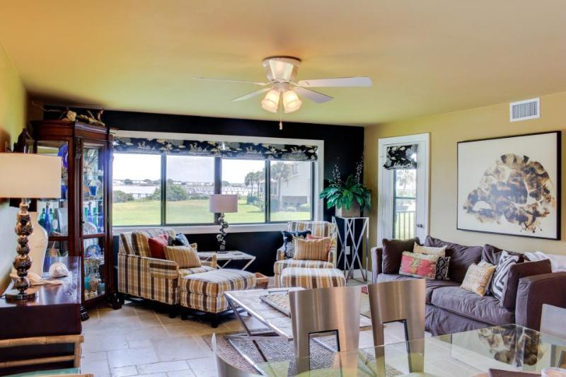 Stylish condo with water views, access to shared pool, tennis, and dock - Image 1 - Pensacola Beach - rentals