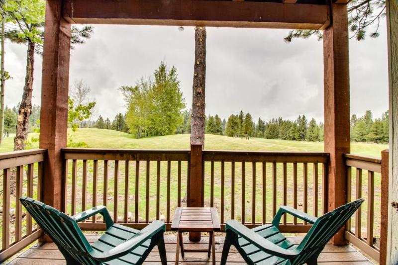 Beautiful and quiet mountain-themed retreat on the golf course - Image 1 - Truckee - rentals