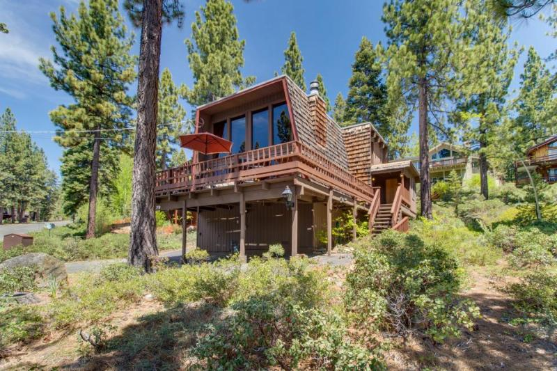 Great Dollar Point amenities including shared pool - Dogs OK! - Image 1 - Tahoe City - rentals