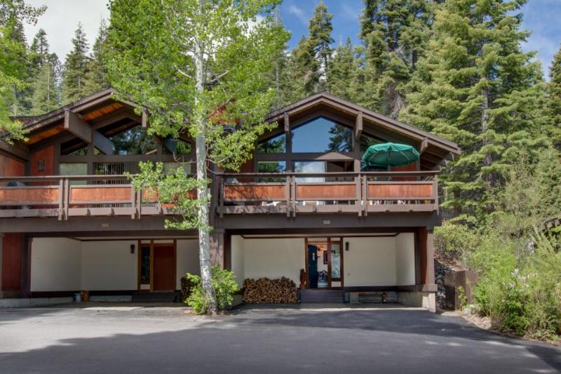 Two private beaches, a shared heated pool, and on-site tennis & saunas! - Image 1 - Tahoe City - rentals