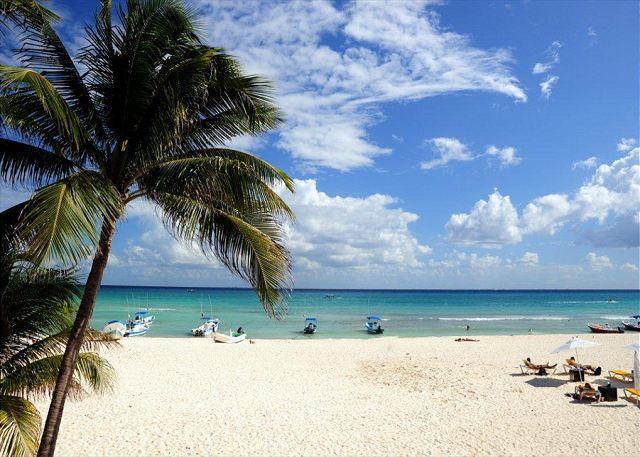 View from Ocean Plaza 10 - Oceanfront with pool 2 bedroom in Ocean Plaza (OP10) - Playa del Carmen - rentals