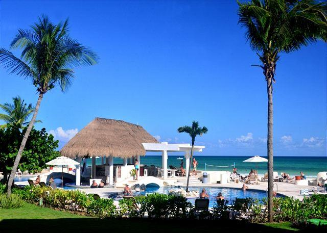 Xaman Ha Pool - Oceanfront with pool 2 bedroom in Xaman Ha (XH7005) - Playa del Carmen - rentals
