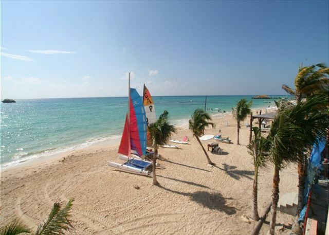 View from the condo - Oceanfront w/ pool 3 bedroom unobstructed views  LED2 35% off - Playa del Carmen - rentals