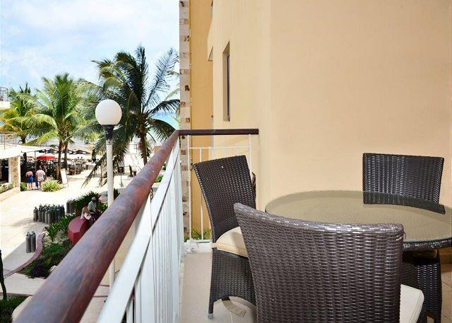 Spacious 1 bedroom Beachfront Condo (EFS206) - Image 1 - Playa del Carmen - rentals
