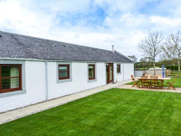 THE STABLES AT DALDORCH, detached, ground floor, woodburner, private sitting area in garden, near the River Ayr Way and Mauchline, Ref 919310 - Image 1 - Mauchline - rentals