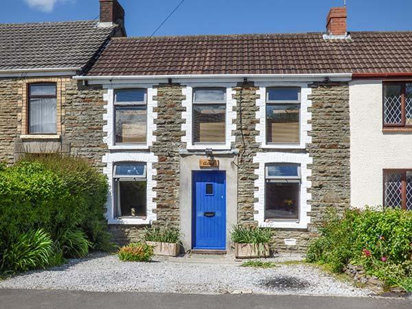 ADREF, woodburner, WiFi, enclosed garden, short drive from Swansea, Ref 924467 - Image 1 - Pant-y-Dwr - rentals
