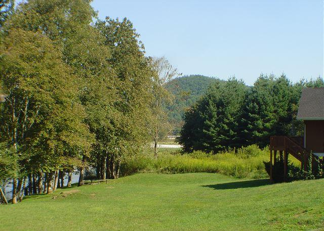 """""""RIVER HAVEN""""  Riverfront With Hot Tub, WiFi, FirePit and Ping Pong Table! - Image 1 - Fleetwood - rentals"""