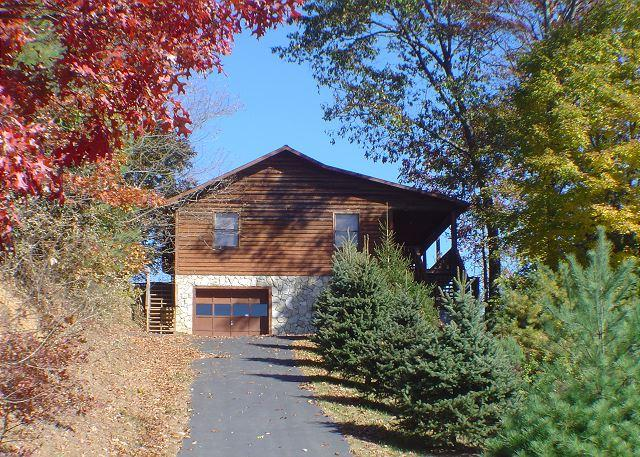 """""""HAPPINEST"""" Modern Cabin Nestled High On A Hillside With Bubbling Hot Tub! - Image 1 - Fleetwood - rentals"""
