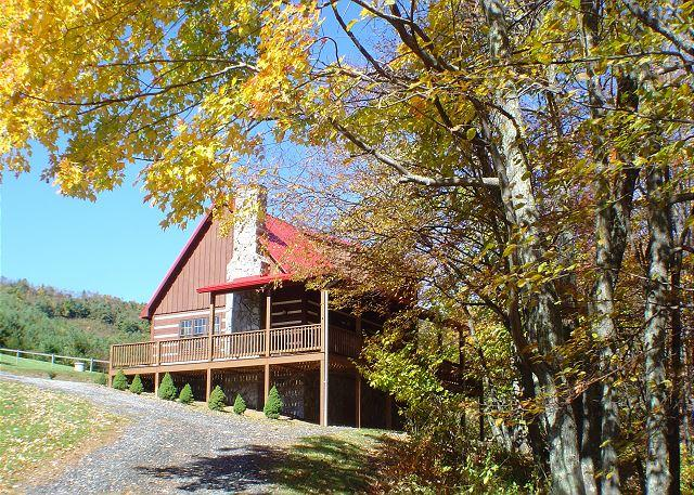 """CREEKSIDE DREAM"" Log Cabin  5 Minutes To West Jefferson W/WiFi & Hot Tub! - Image 1 - West Jefferson - rentals"