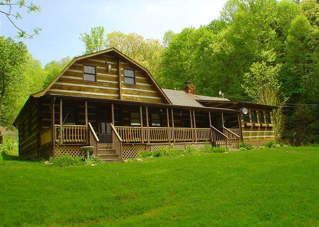 """SIMPLY IRRESTIBLE""  Cabin W/Views & Hot Tub! Check Out Our DISCOUNTED Rates! - Image 1 - Creston - rentals"